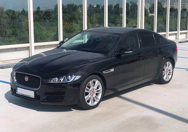 jaguar xe czarny1