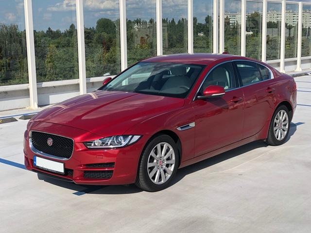 jaguar xe czerwony1