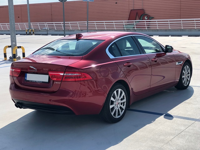 jaguar xe czerwony4