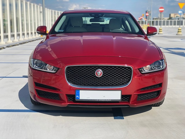 jaguar xe czerwony6