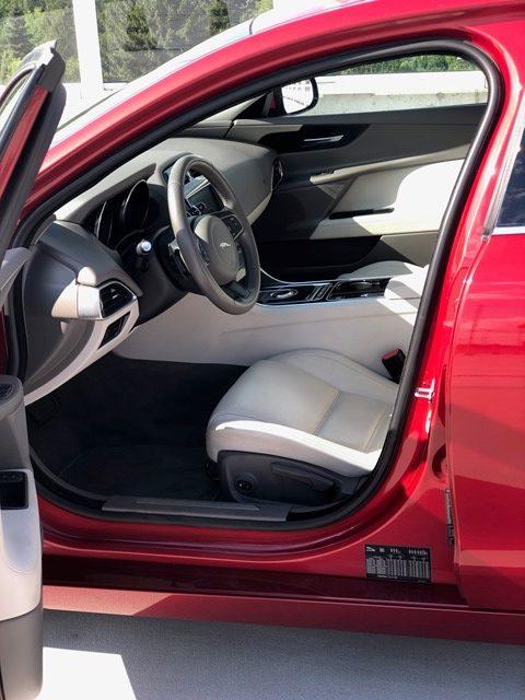jaguar xe czerwony7