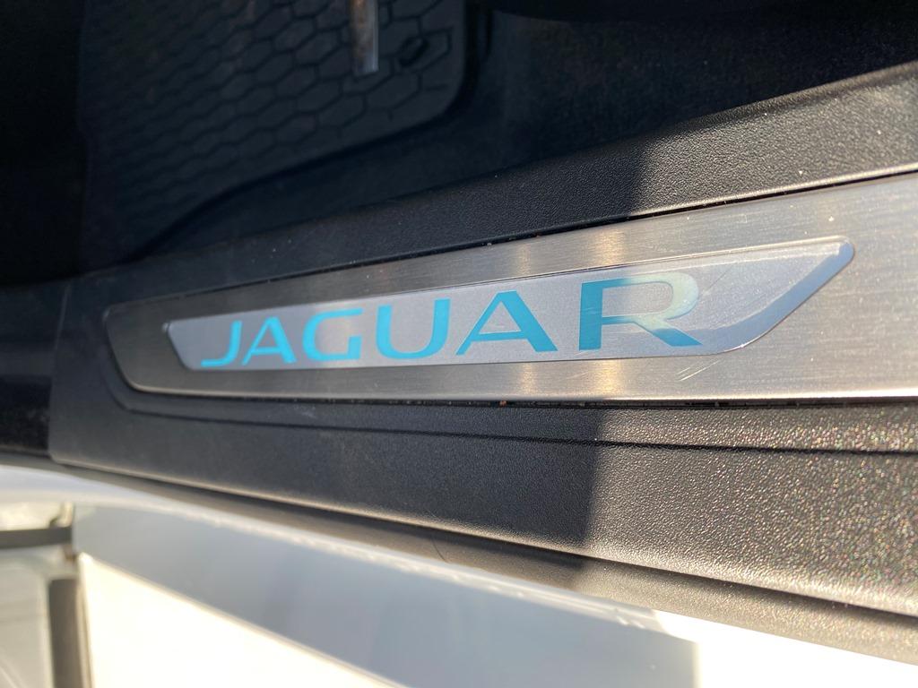jaguar xf7